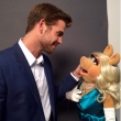 Liam Hemsworth Joins Instagram, Poses With Miss Piggy For First Photo
