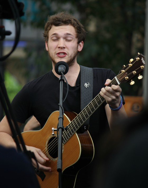 Phillip Phillips Extra The Grove