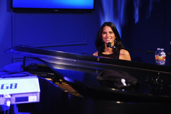 Olivia Munn plays piano at Samsung