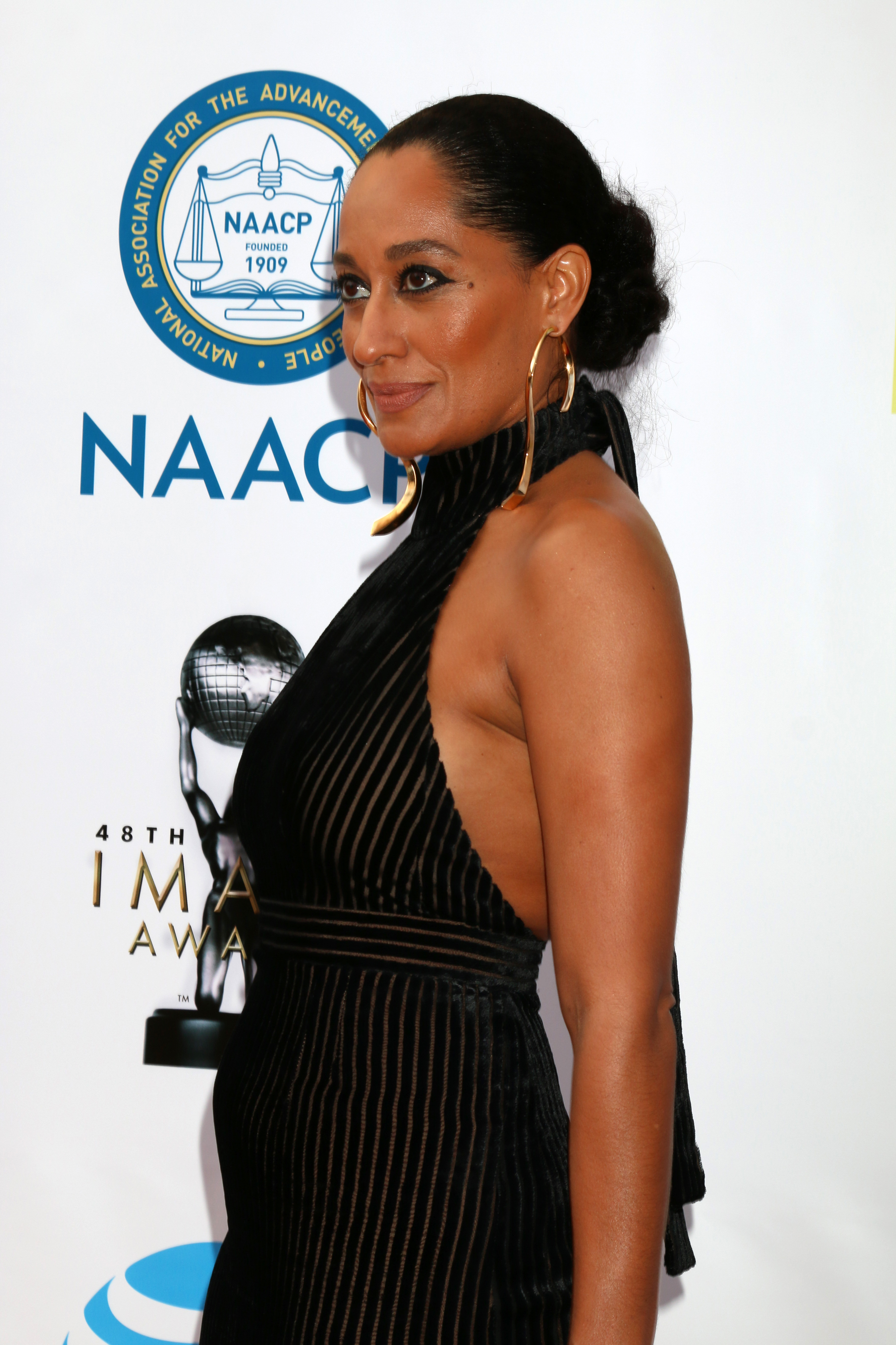 LOS ANGELES - FEB 11:  Tracee Ellis Ross at the 48th NAACP Image Awards Arrivals at Pasadena Conference Center on February 11, 2017 in Pasadena, CA