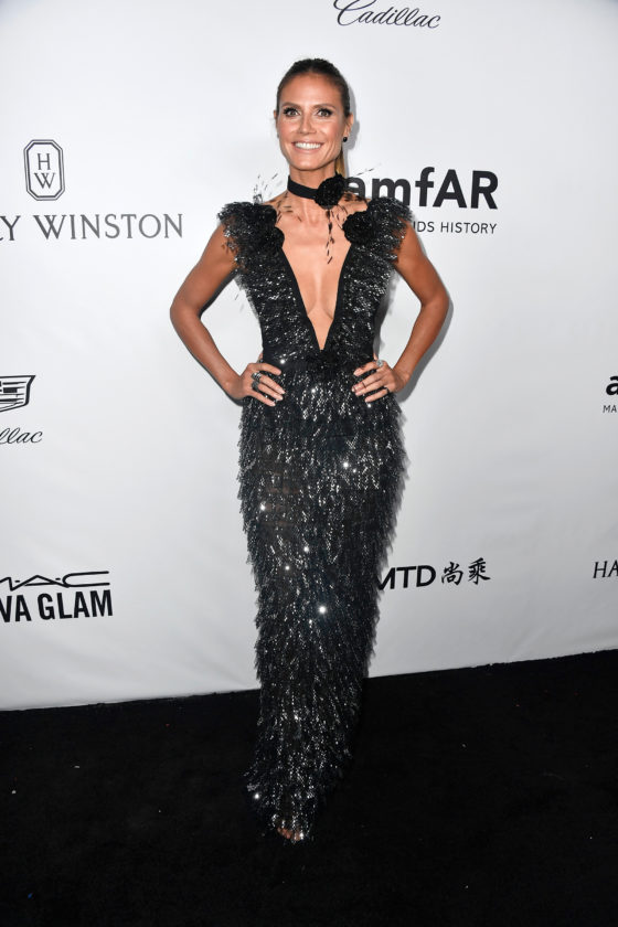 BEVERLY HILLS, CA - OCTOBER 13:  TV personality Heidi Klum attends the amfAR Gala at Ron Burkle's Green Acres Estate on October 13, 2017 in Beverly Hills, California.  (Photo by Frazer Harrison/Getty Images)